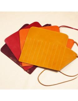 Gianni abierto en burdeos, magenta, naranja y amarillo