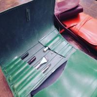 En febrero volvemos a retomar nuestros cursos, podéis encontrar toda la información en la web. #tallerpuntera #spanishleather #madrid #leather #artesania #artsandcrafts #artesanal #artesyoficios #hechoamano #handmade #handicraft #hechoamanoconamor #cuero #artesanos #leathercraft #leatherbag #leatherbackpack #leathergoods