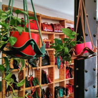 #tallerpuntera #spanishleather #madrid #leather #artesania #artsandcrafts #artesanal #artesyoficios #hechoamano #handmade #handicraft #hechoamanoconamor #cuero #artesanos #leathercraft #leatherbag #leatherbackpack #leathergoods