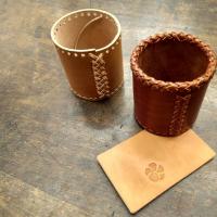 Estamos finalizando nuestro curso de febrero, si queréis venir a aprender a grabar, coser con tireta y más, el próximo comienza el 3 de marzo. Podéis encontrar toda la información en la web o si lo preferís, llamarnos o pasar a vernos y os resolvemos cualquier duda. #tallerpuntera #spanishleather #madrid #leather #artesania #artsandcrafts #artesanal #artesyoficios #hechoamano #handmade #handicraft #hechoamanoconamor #cuero #artesanos #leathercraft #leatherbag #leatherbackpack #leathergoods